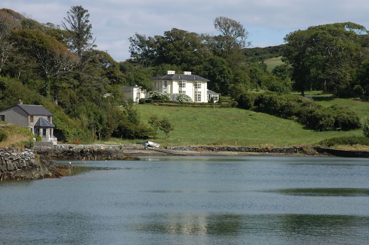Elegant Regency House on Lough Hyne - Skibbereen
