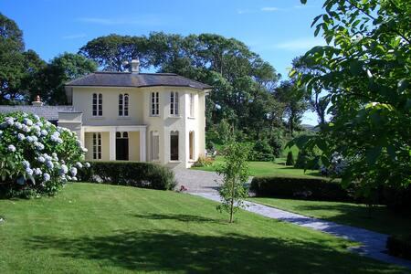 Elegant Regency House on Lough Hyne - Skibbereen - House