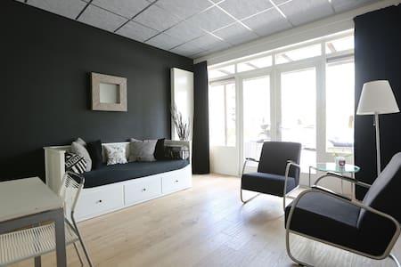 Zwart/wit studio Jugendstil villa - Velp