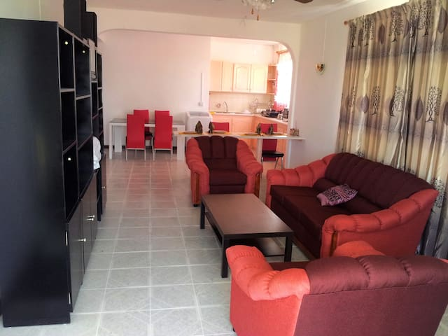 Cosy Apartment Ideal for couple / family