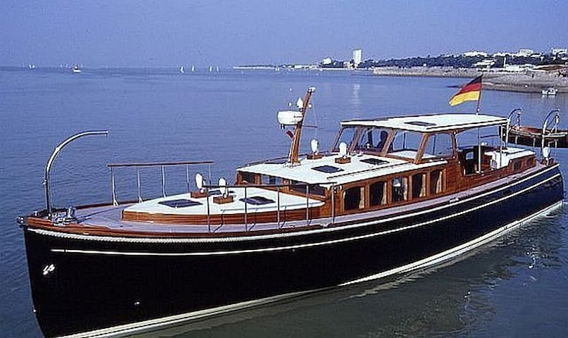 Day Charter Exceptional with Skipper St Tropez - Saint-Tropez - Barco