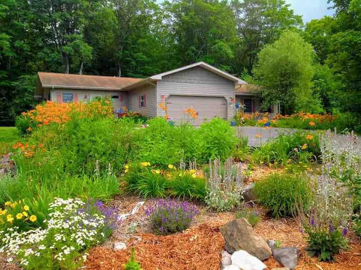 Leelanau County home on 5 beautiful acres