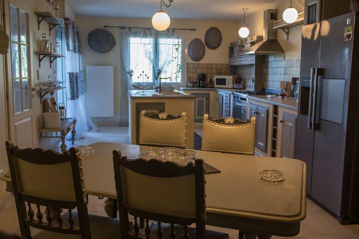 Chaleureuse maison tout confort - Narbonne - Maison