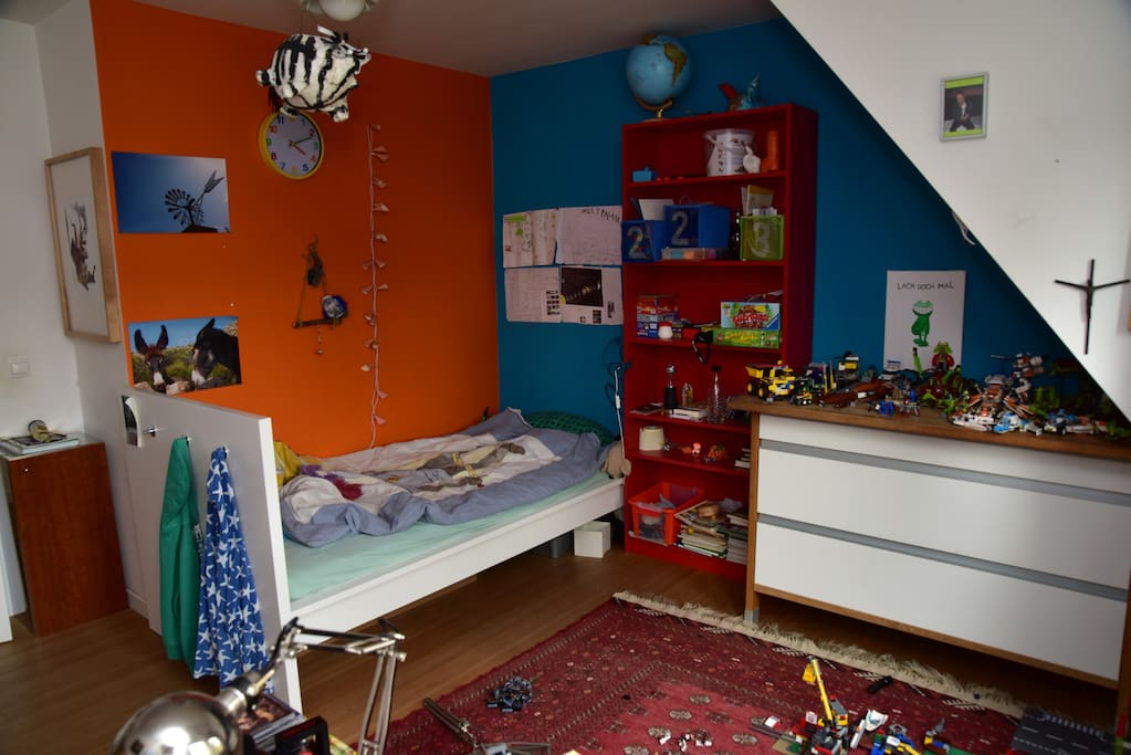 Kinderzimmer im 1. OG