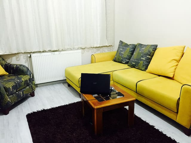 Yellow Room In Great Location - İstanbul - Daire