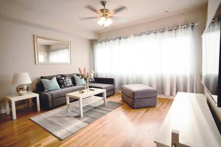 Convenient Brand New 3 Bedroom Apartment w/WIFI