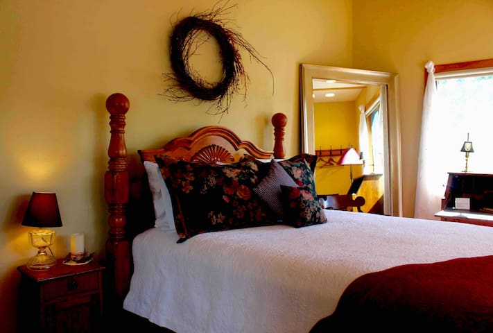 Bedroom #3 :: Bristol Mountain Home B&B