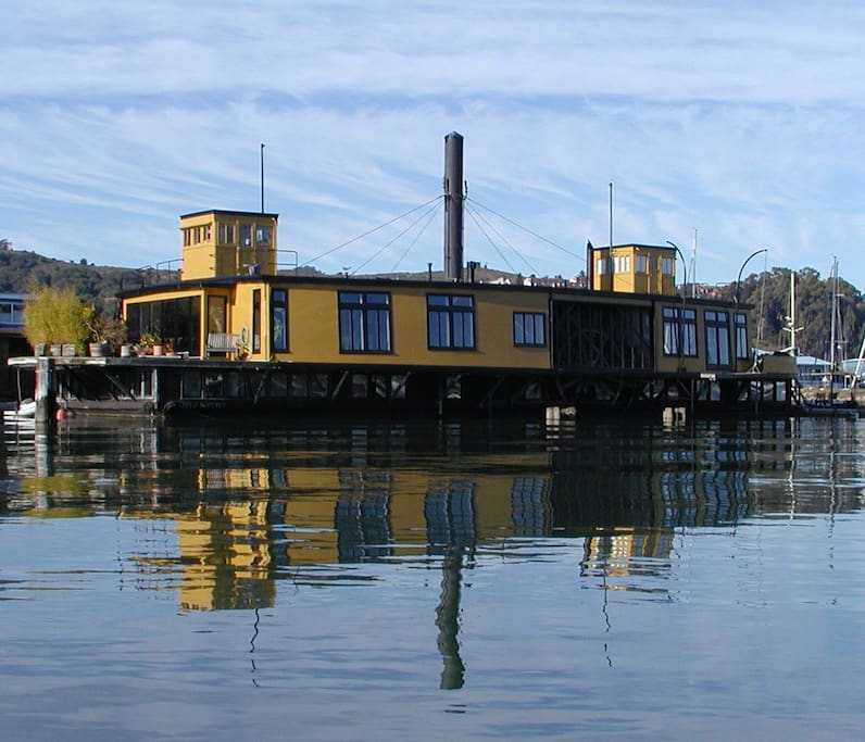Historic ferryboat in sausalito houses for rent in for Houseboats for rent in california