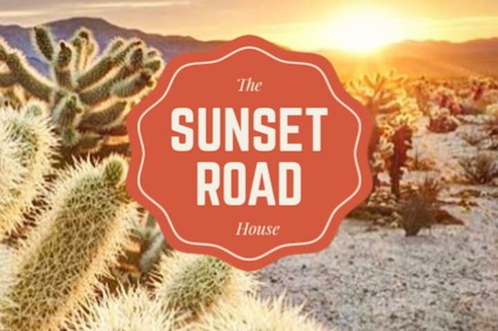 The Sunset Road House (Hot Tub & Pool!)