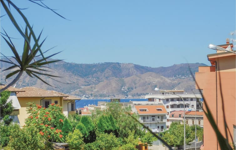 Holiday apartment with 3 bedrooms on 120m² in Villa San Giovanni RC