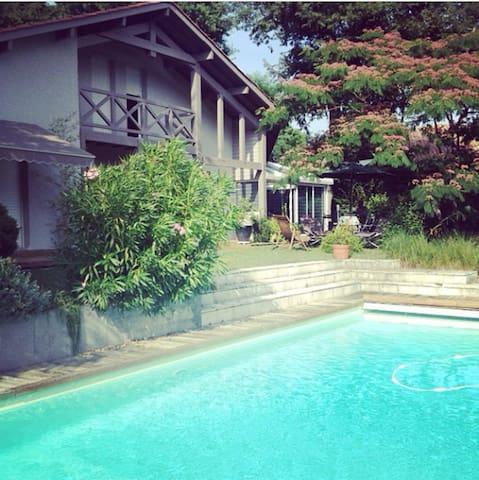 Grande Maison Jardin et Piscine - Mont-de-Marsan - Casa
