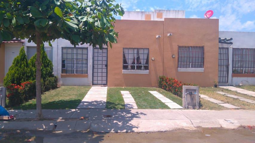 Nuevo Vallarta - Fraccionamiento Altavela - House