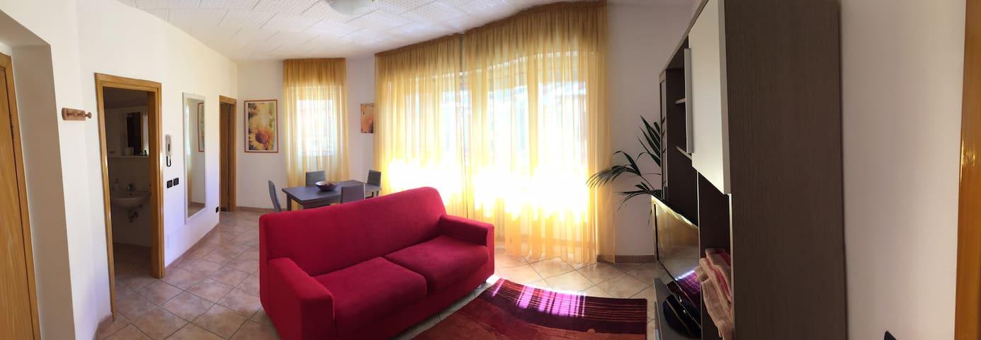 Ampio trilocale arredato a nuovo - Tirano - Appartement