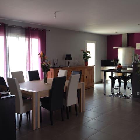 Chambre au calme dans le Lauragais - Loubens-Lauragais - Villa
