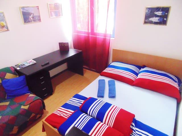Belgrade Hostel Jedro Room No2