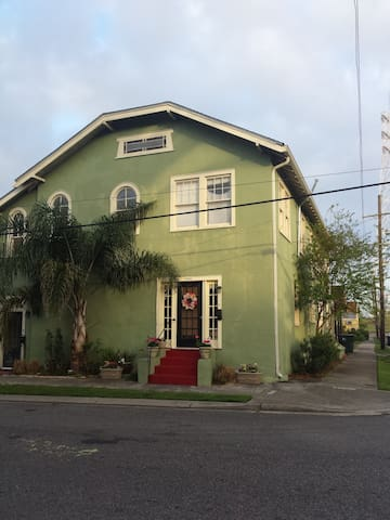 Charming 2BR in Riverbend - New Orleans - Condominium