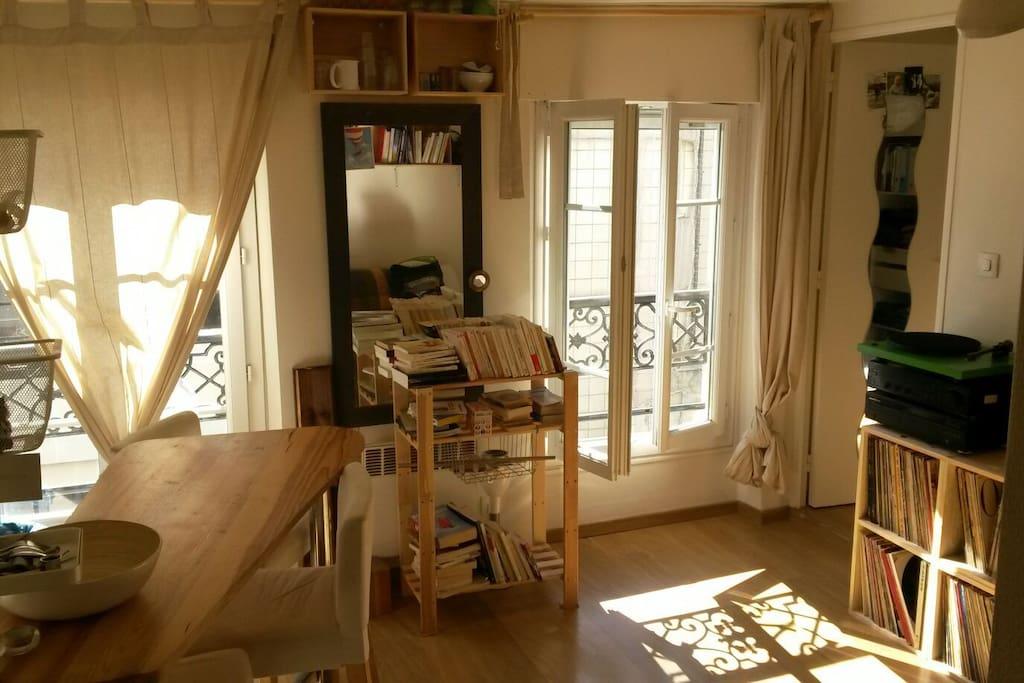Appart lumineux pr s du sacr coeur appartements louer for Location appart meuble paris