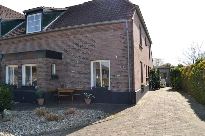 Vakantiehuis in polder bij Nijmegen - Kranenburg-Zyfflich - Casa