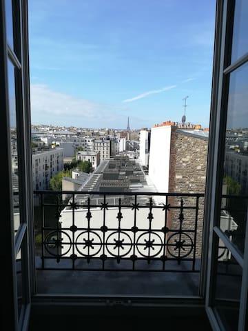 Bel appartement deux pièces cosy vue Tour Eiffel
