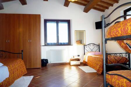 B & B a Coriano- family room - Coriano - Bed & Breakfast