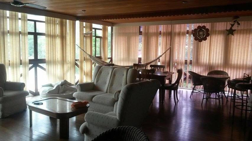 746 Hostel - Nova Friburgo - Bed & Breakfast