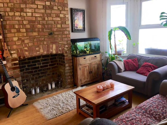 Spacious charming 3Bed Home 15min Central London