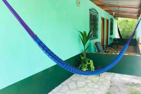 ★near Tikal★Lake at 1 block/Patio/hammock/Wifi