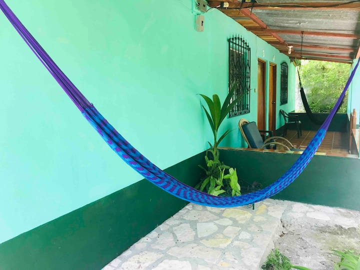 ★near Tikal★Lake at 1 block/Patio/hammock/Wifi