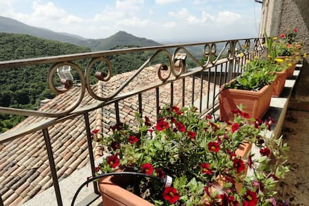 Residence Cavour, holiday home - Cottanello  - Casa