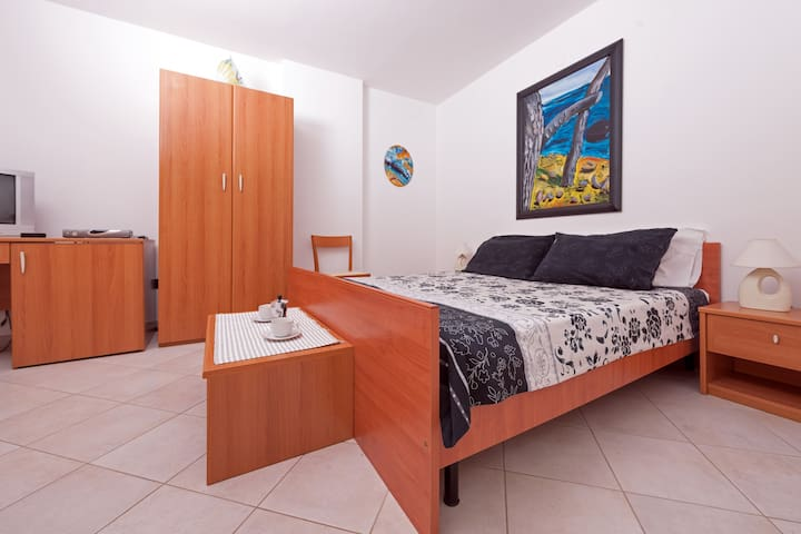 Summer in picturesque Istrian town,Olive! - Vodnjan - Apartment
