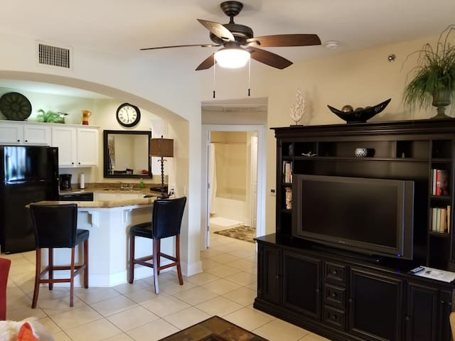 FREE GOLF for TWO! Charming Condo on Golf Course!!