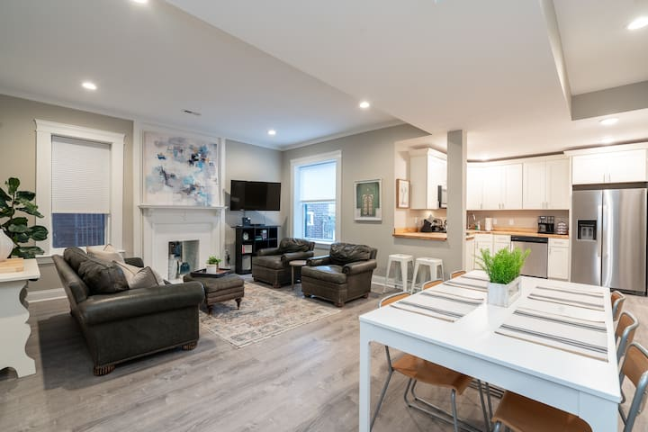 Newly Renovated Townhome 1 of 2 - Central West End |JZ Vacation Rentals