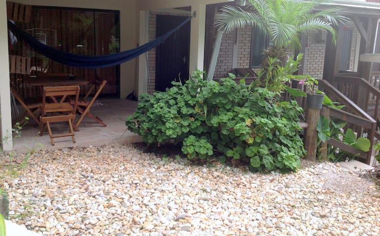 Residencial Sunset - Apartamento duplo com varanda