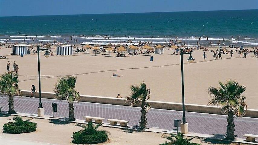 AGRADABLES HABITACIONES JUNTO A LA PLAYA - València - Lejlighed