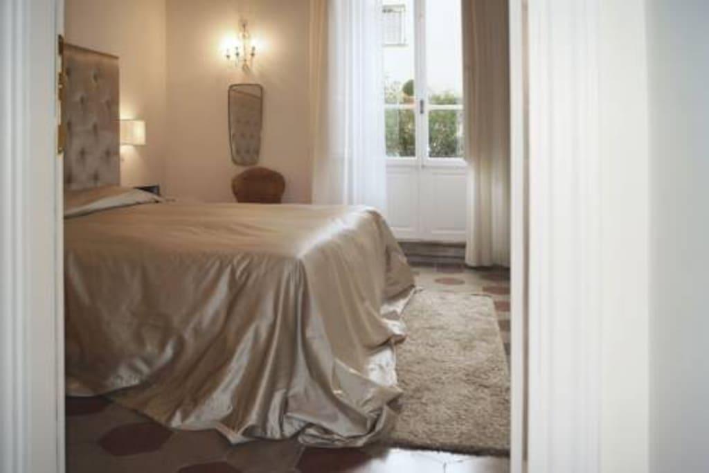 Al centro di Roma in un ovattato silenzio camera con terrazzo privato