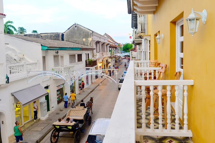 Balcony view of Calle Segunda de Badillo--hear the clip clop of the horse?