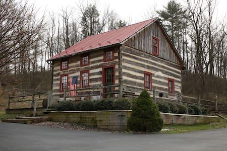 Fairfield Farm Guest Cabin - Spruce Creek - 小木屋