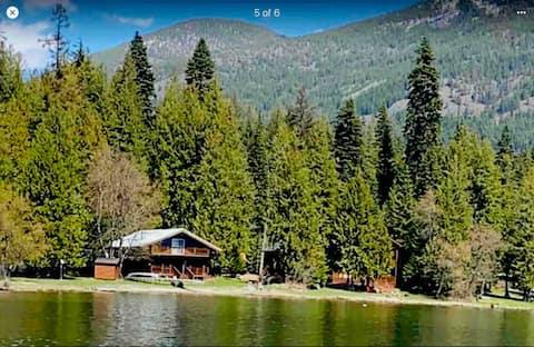 Bull Lake Chalet