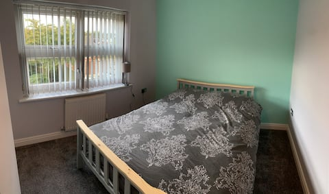 Spacious Double bed room £25 per night
