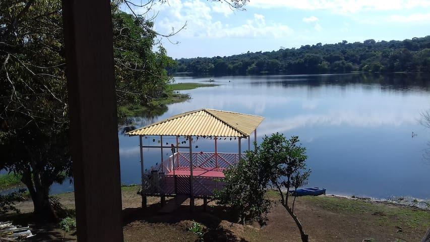 Casa na Beira de Lago - Ideal para pescadores