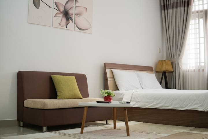 Comfy Serviced Apartment with Balcony in D.1