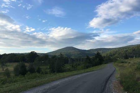 Tea Creek Mountain Retreat