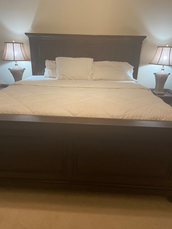 Master Suite with king size bed sleeps 2