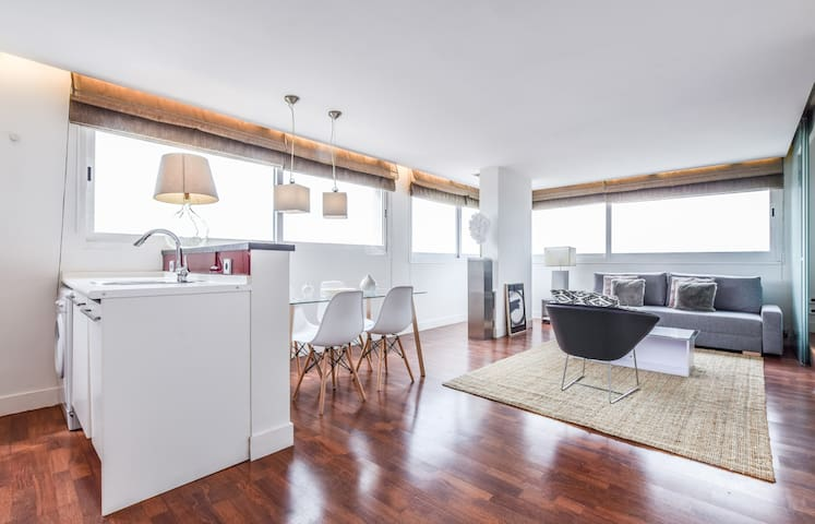EXCLUSIVE LOFT WITH POOL AND WONDERFUL VIEWS OF THE CITY