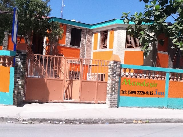 MONDESIR Inn - Port-au-Prince - Bed & Breakfast