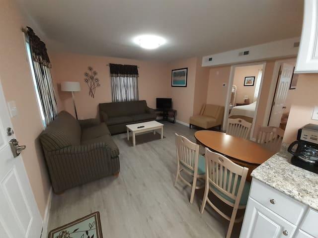 Oversized 2 bedroom apartment