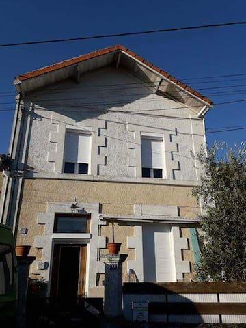 Maison au bord de l'estuaire proche du Blayais
