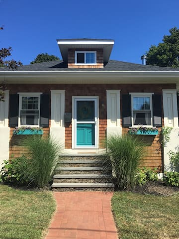 Perfect summer beach house! Only 2-night minimum! - Middletown - Hus