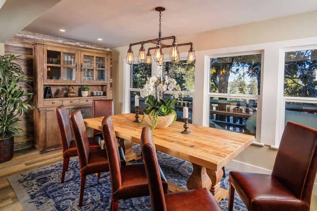 Main Level | Dining Area- Beautiful seating and settings. Lake view