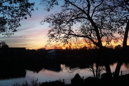 Riverview - Staines-upon-Thames